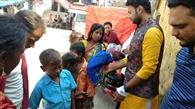जेबखर्च से असहाय और गरीबों की मदद कर रही यूथ टीम
