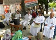 ग्रामीणों ने लिया व्यसनों से दूर रहने का संकल्प