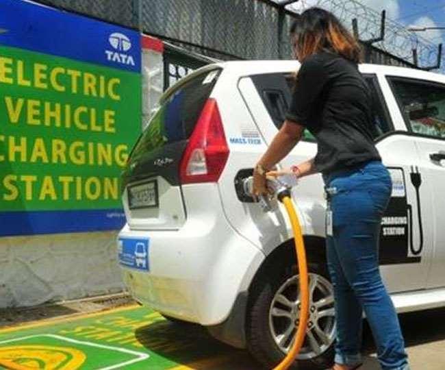 Electric Vehicle Benefits: पढ़िये- कैसे इलेक्ट्रिक वाहन खरीदकर आप पहुंचाएंगे लाखों लोगों को फायदा