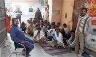 नपा सफाई कर्मचारियों की हड़ताल से बिगड़ी सफाई व्यवस्था