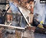 West Bengal Fire: खिलौनों के गोदाम में लगी भयंकर आग, पांच दमकल की गाडिय़ां मौके पर