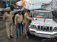 बारिश में भी जारी रहा अवैध ऑटो चालकों के खिलाफ ऑपरेशन, तीन जब्त, 12 के चालान काटे