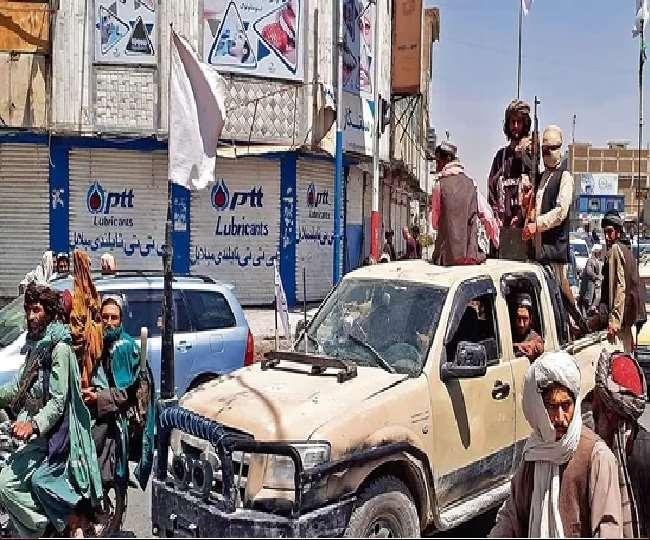 अफगानिस्तान में तालिबान के आगे बढ़ने की तेज रफ्तार में कोई कमी नहीं आई है।