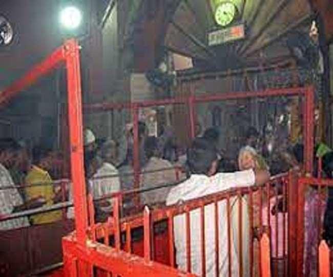 मंदिर के दोनों महंत एक बार फिर आमने-सामने आ गए