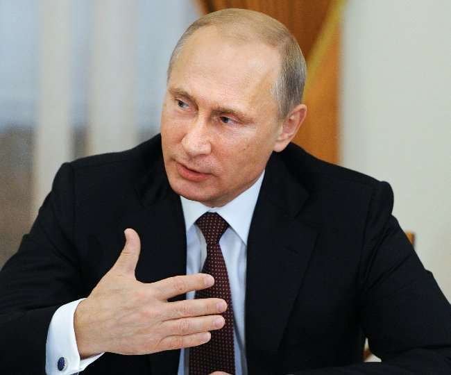 रूसी राष्ट्रपति व्लादिमीर पुतिन सेल्फ आइसोलेट। (फाइल फोटो)