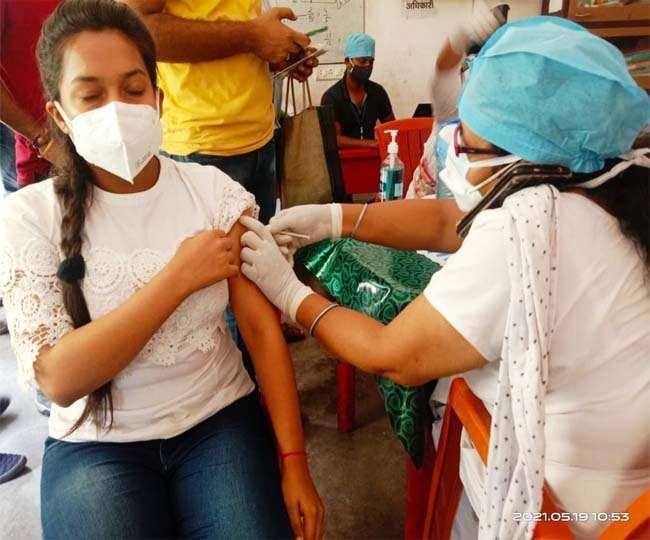 कोरोना के खिलाफ देश में टीकाकरण अभियान तेजी के साथ आगे बढ़ रहा। (फाइल फोटो)