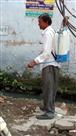 मच्छरों के प्रकोप से बचने को चिह्नित क्षेत्रों में एंटी लार्वा का छिड़काव