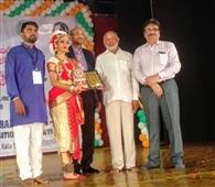 खड़गपुर की कीतिका झा संगीत-संस्कृति सम्मेलन में सम्मानित