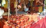 करवा चौथ के लिए बाजारों में सज गईं दुकानें Prayagraj News