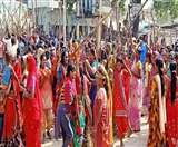 सीतामढ़ी में पुलिस-पब्लिक के बीच झड़प, लाठीचार्ज में दर्जनभर जख्मी Sitamarhi News