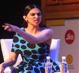 दीपिका पादुकोण ने की रणबीर कपूर की एक्टिंग की तारीफ, पति रणवीर सिंह का उड़ाया मज़ाक, देखें वीडियो