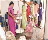 अलीगढ़ में बायोमीट्रिक भी हो रहे फेल, हर यूनिट में हो रहा 'खेल'
