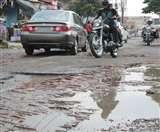 देहरादून की सड़कों के लिए सरकार के पास बजट नहीं Dehradun News