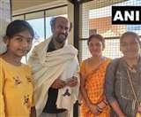 सुपरस्टार रजनीकांत ने गुरु की समाधि पर लगाया ध्यान, पढ़िए पूरी खबर