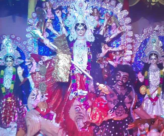 अररिया में दुर्गा पूजा की धूम, मां दुर्गा के दर्शन के लिए पहुंच रहे श्रद्धालु