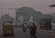 दिल्ली की धुंध में धुंधली हुई जिदगी