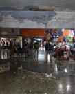 असुरक्षित घोषित बस स्टैंड की इमारत बारिश से टपकी