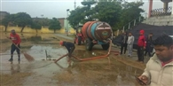 अनमोल स्पोर्ट्स क्लब ने खुद शुरू किया स्टेडियम से पानी निकालने का कार्य