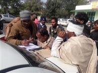 डंपर से टकराई बस, मध्यप्रदेश कांग्रेस के कार्यकर्ता घायल