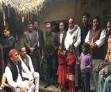 उन्नाव में दुष्कर्म पीड़िता के परिवारीजन से मिले अखिलेश यादव, बोले-उत्तर प्रदेश में भ्रष्टाचार बढ़ा