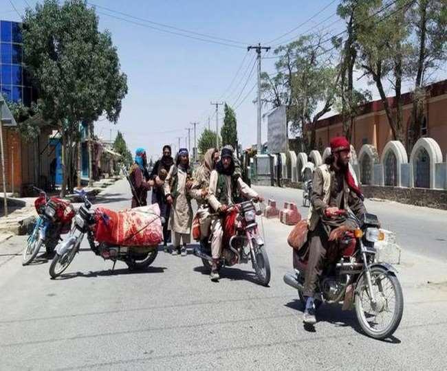 तालिबान के आगे झुकने को तैयार अफगान सरकार, सत्ता में साझेदारी का ऑफर दिया। एजेंसी।