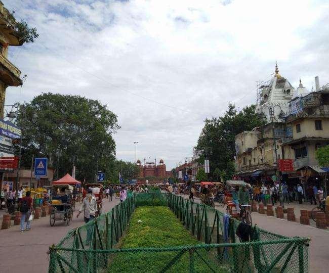 इन दिनों पर्यटकों व स्थानीय लोगों का आकर्षण का केंद्र बनी हुई है।