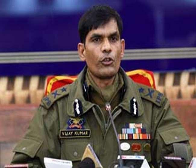 विजय कुमार ने कहा कि श्रीनगर जिला में अब सक्रिय आतंकवादियों की गिनती चार के करीब ही रह गई है।