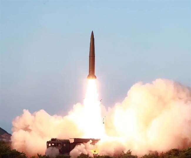 जापान के तट रक्षक ने पुष्टि करते हुए कहा कि दोनों मिसाइलें जापानी विशेष आर्थिक क्षेत्र के बाहर गिरी हैं।