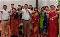 विद्यार्थी अंगुली पर वोट का निशान दिखाएं, किताबों और फीस में विशेष छूट पाएं : डॉ. आरपी सैनी