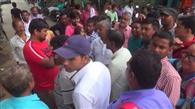 ओएमआर शीट देर से मिलने पर परीक्षार्थियों ने किया हंगामा
