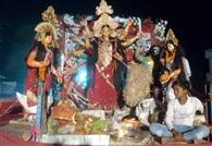 विसर्जन जुलूस में देवी गीतों पर झूमे भक्त
