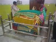 पांडेयगंगौट में वारिस पिया के मजार पर चादरपोशी को उमड़े श्रद्धालु