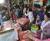 Diwali Festival: दिवाली पर मंदी का नहीं दिख रहा असर, ग्राहकों से बाजार हुआ गुलजार