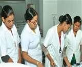 UAE: खतरे में सैकड़ों भारतीय नर्सों की नौकरी, विदेश मंत्रालय से लगाई मदद की गुहार