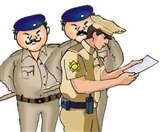 कुत्तों की लड़ाई करवा लगवाया जा रहा था सट्टा, पुलिस ने मारी रेड और फिर मची भगदड़
