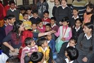 अभिनेत्री अनारा गुप्ता ने बच्चों के साथ मनाया बाल दिवस