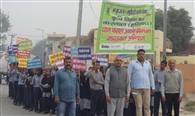 रैली निकालकर फसल अवशेष न जलाने के लिए किया जागरूक