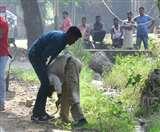 उत्तरधौना में सूदखोर भाइयों ने सरेराह पति-पत्नी को लाठियों से पीटा, पुलिस देखती रही तमाशा Lucknow News