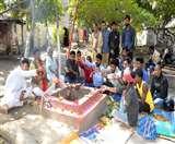 Jharkhand Elections 2019: कांग्रेस की डूबती नैया बचाने को हवन, नेताओं के लिए मांगी सद्बुद्धि