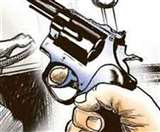 दिनदहाड़े बैंक के बाहर दो लाख रुपये की लूट, बाइक सवार अपराधियों ने दिया वारदात को अंजाम Patna News