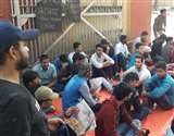 बीएचयू में शांत नहीं हो रहा बवाल, छात्रों का रोष हास्टल से लेकर सड़क तक, परिसर सुरक्षा बलों के हवाले