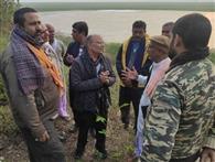 कृषि विशेषज्ञों की टीम ने लिया टाल क्षेत्र का जायजा