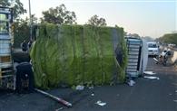 हिमाचल रोडवेज की बस ट्रक से टकराई, चार लोग घायल