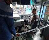 रोडवेज की नई बसों में मिलीं तकनीकी खामियां, बस ड्राइवर का दरवाजा भी नहीं खुलता पूरा