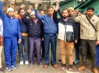 दो माह से वेतन न मिलने पर भड़के रोडवेज कर्मचारियों ने किया प्रदर्शन