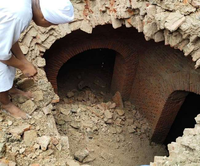 Tunnel found in Shri Akal Takht Sahib, Tunnel found during excavation near  Shri Akal Takht Sahib in Amritsar, Tunnel found in Golden Temple