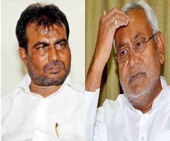 Bihar Assembly Election Chief Minister Nitish Kumar suffered a major setback before the election. JDU's Dalit face and minister Shyam Rajak has decided to leave the party.