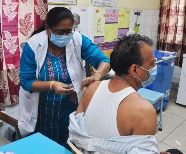 पहली खुराक वालों के लिए होंगी टीके की 70 फीसद डोज