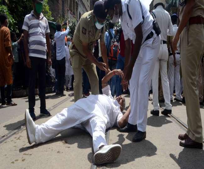 Kolkata Politics : कोलकाता में तर्पण करने से भाजपा नेताओं को पुलिस ने रोका, जमकर काटा बवाल