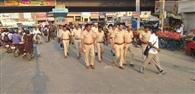 अर्द्ध सैनिक बल के साथ पुलिस ने निकाला फ्लैग मार्च